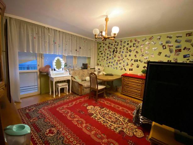Pokój_20m_z balkonem_duże mieszkanie_Bemowo