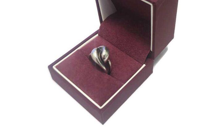 Srebrny pierścionek 925 / 7.20g