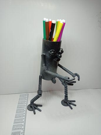 Подставка для карандашей. Art metal