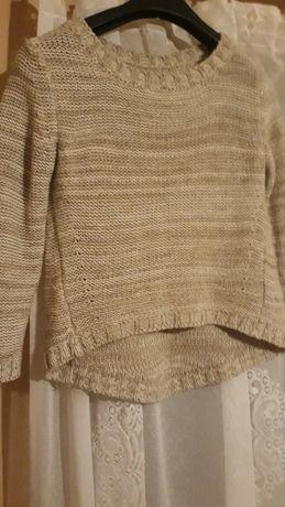 Sweterek dzianinowy
