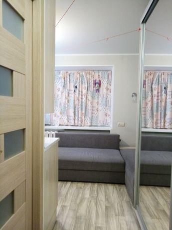 Продам гостинку 16м2 в районе 5 горбольницы с ремонтом и мебелью.