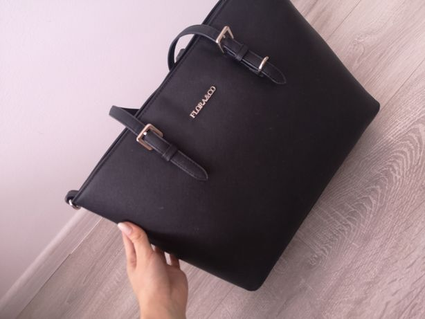 Czarna klasyczna torebka na ramię
