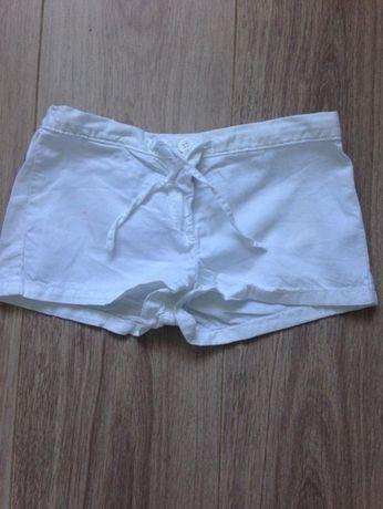 BENETTON białe krótkie spodenki na lato dla dziewczynki XS 4-5lat
