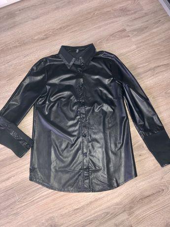 Czarna włoska koszula z eko skóry r.M nowa