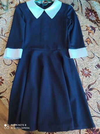 Очень красивое школьное платье