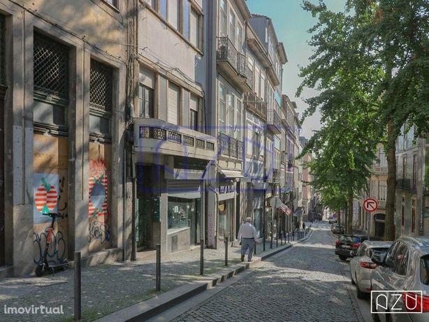 Restaurante p/ Trespasse junto às Galerias de Paris