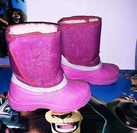 Продам зимние сапоги для девочки