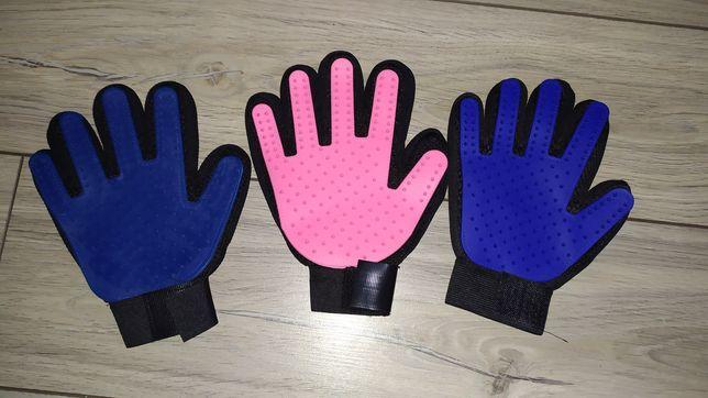 Силиконовая перчатка с шипами для ухода за животными