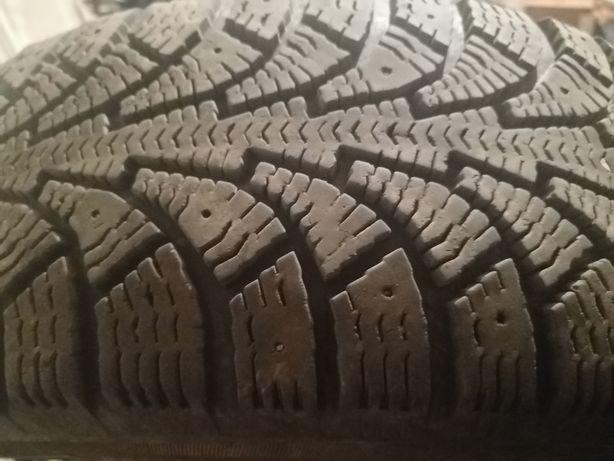 Продам зимнюю резину, шину, колесо, покрышку 175/65 r14