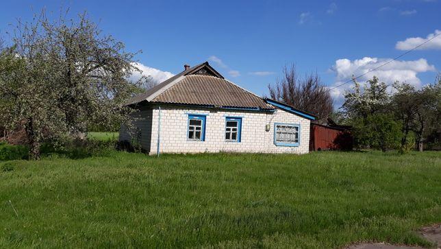 Продам будинок Кобеляцький район с.Лебедине