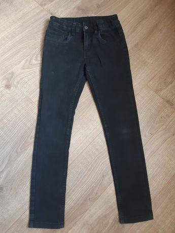 Продам чорні джинси на хлопчика