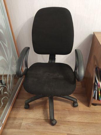 Продам крутящийся стул