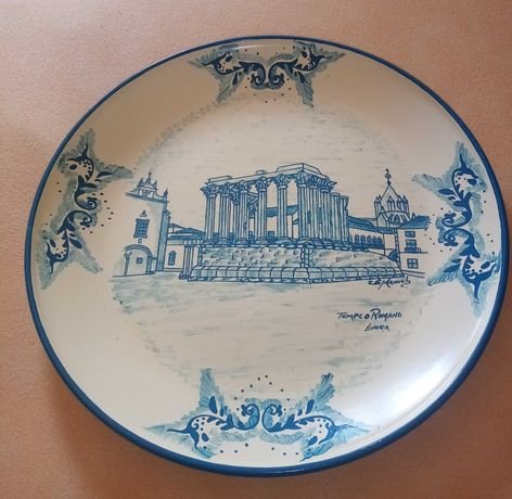 Prato antigo pintado á mão