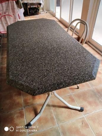 Mesa ferro e 4 cadeiras
