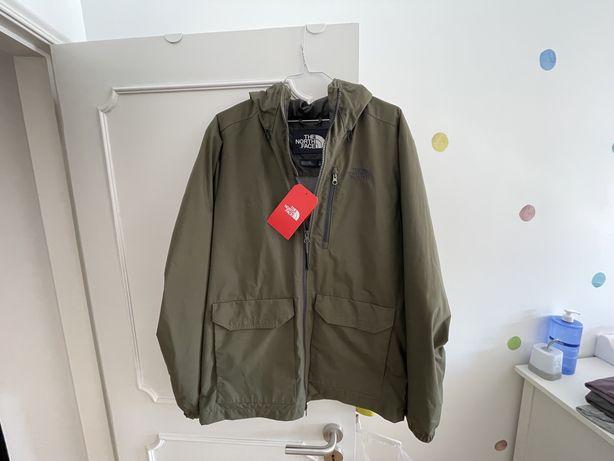 Vendo casaco corta-vento The North Face cor Taupe Green - tamanho M
