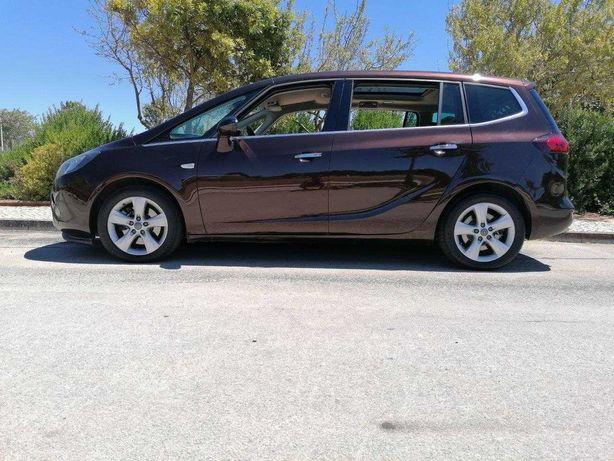 Opel Zafira 2.0 - 7 Lugares