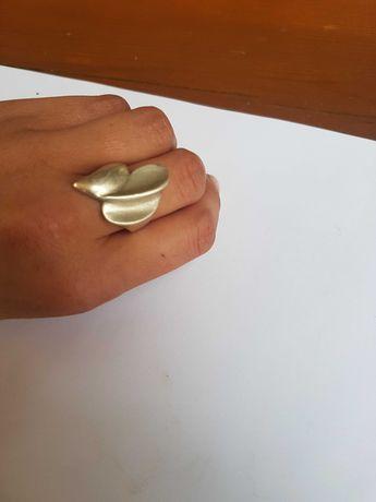 Srebrny pierscionek 0.925