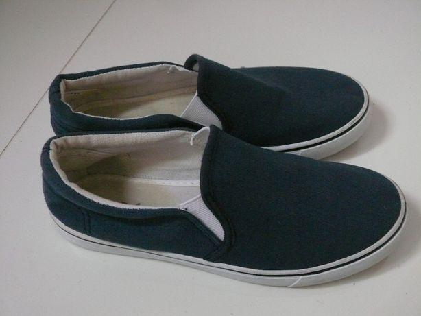 Buty sportowe tenisówki trampki kapcie szkolne halówki pepegi