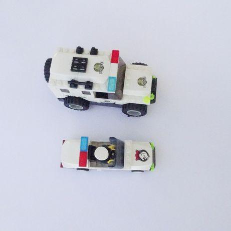 2 samochody policyjne z klocków/ klocki.