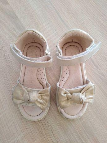 Sandałki dziewczęce r. 24 Nelli Blu