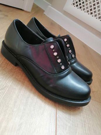 Продам новые туфли.