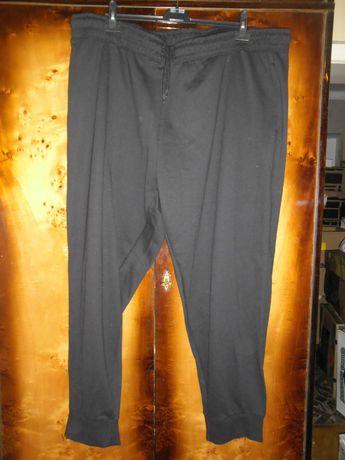 duże nowe czarne spodnie dresowe pas 122cm do 158cm