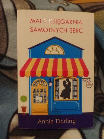 Mała księgarnia samotnych serc - Annie Darling