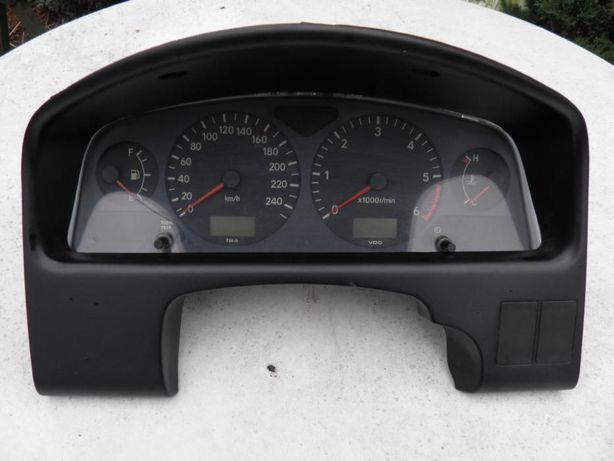 TOYOTA AVESIS 97-03r Licznik zegary obudowa Kombajn kierownica skóra