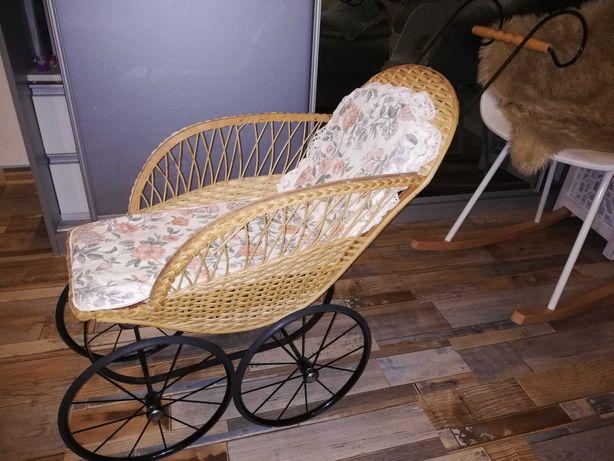 Sprzedam wózek wiklinowy retro