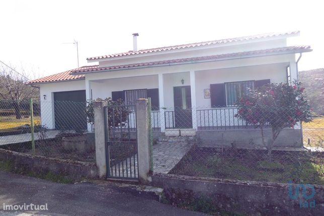 Moradia - 100 m² - T2