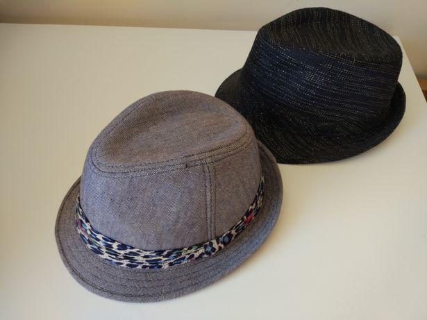 Chapéu preto e azul Blanco e Bershka