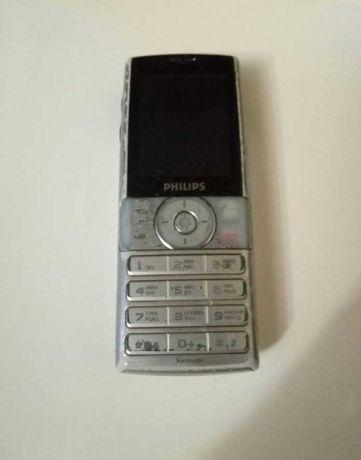 Телефон Phillips в комплекте с зарядкой