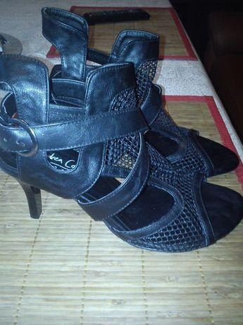 Nowe, damskie skórzane buty rozmiar 39