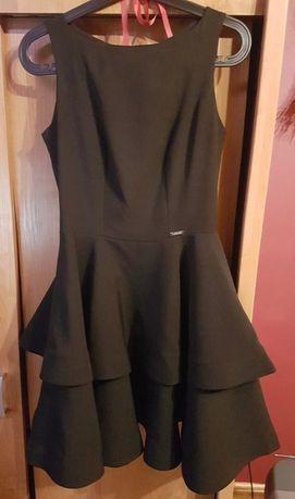Czarna rozkloszowana sukienka r. S