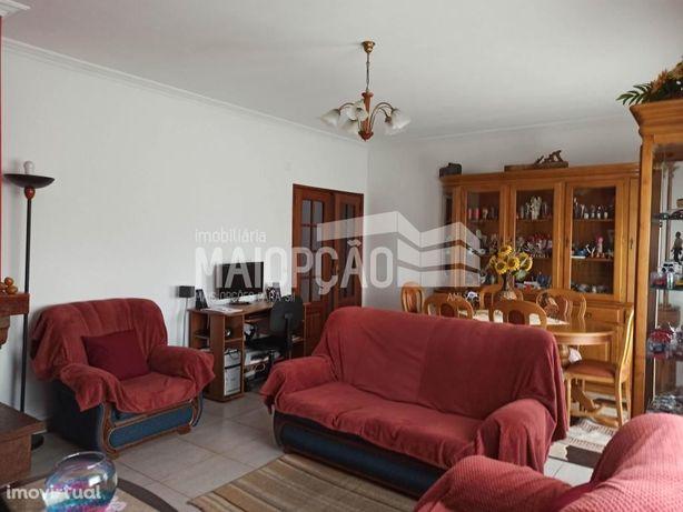 Apartamento T2 p/venda com Garagem