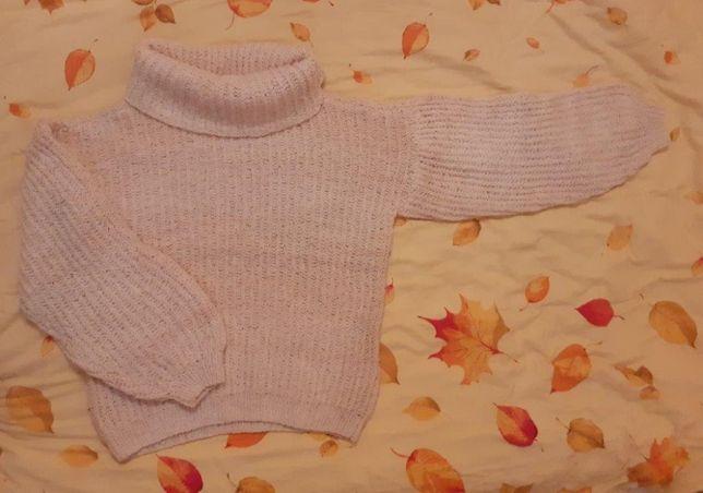 sweter z dużym golfem z owczej wełny ręcznie dziany