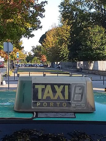 Praca de taxi do porto mercedes