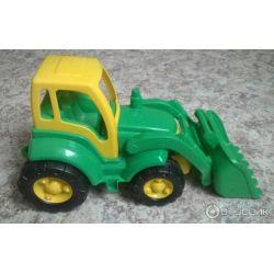 Трактор погрузчик