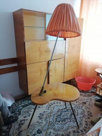 drewniany stolik z lampą Vintage PRL