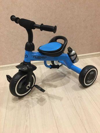Трехколесный велосипед