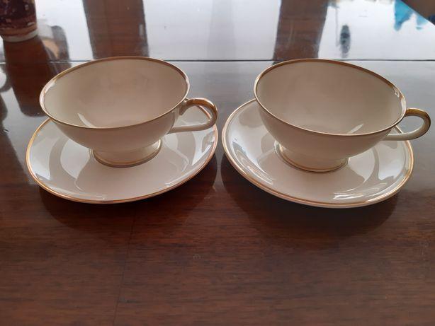 Dwie filiżanki do herbaty