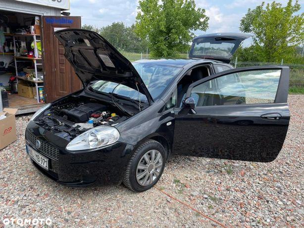 Fiat Grande Punto klimatyzacja BEZWYPADEK mega niski przebieg z TUV
