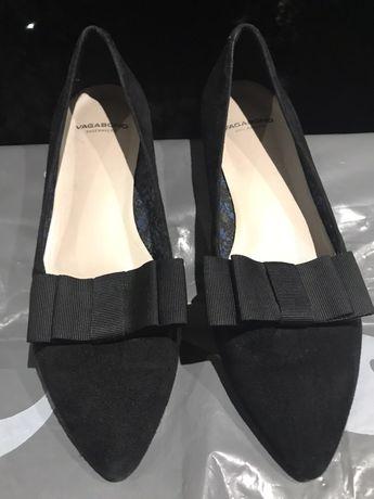 Суперклассные замшевые туфли