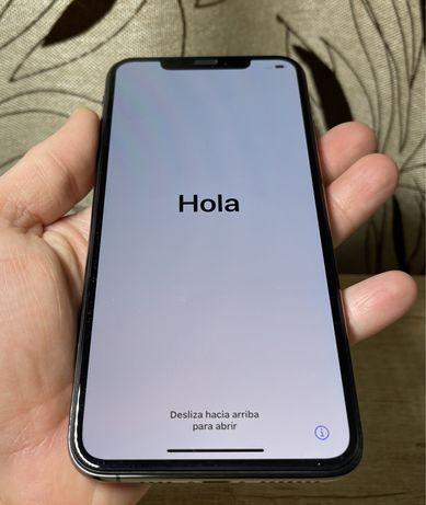 IPhone XS Max 256 Gb + 10 чехлов