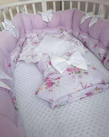 Бортики защита в кроватку.