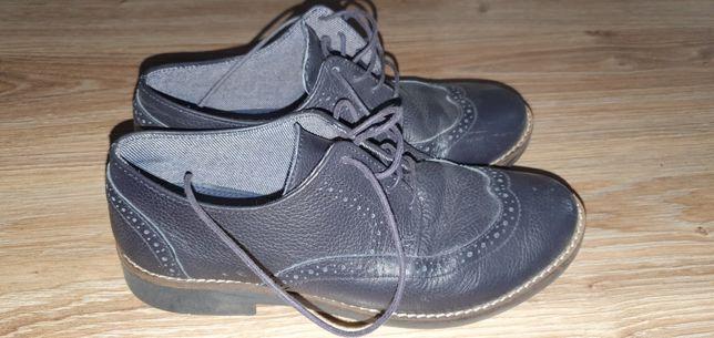 Buty dla chłopca  komunijne rozmiar 35 założone 4 razy