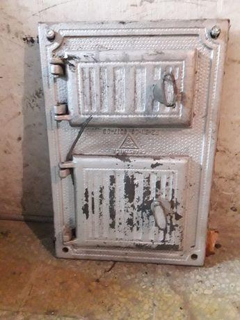 Zabytkowe drzwiczki żeliwne do pieca kaflowego
