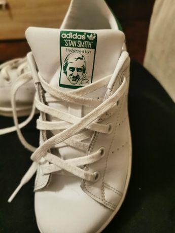 Vendem-se Ténis Adidas Stan Smith criança em ótimo estado, tamanho 35