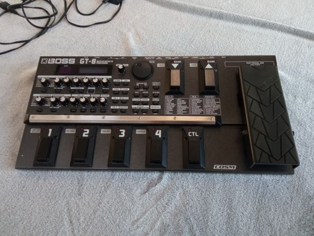 Multiefekt / procesor gitarowy Boss GT-8 + zasilacz