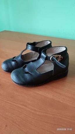 Шкіряні туфлі дитячі розмір 22
